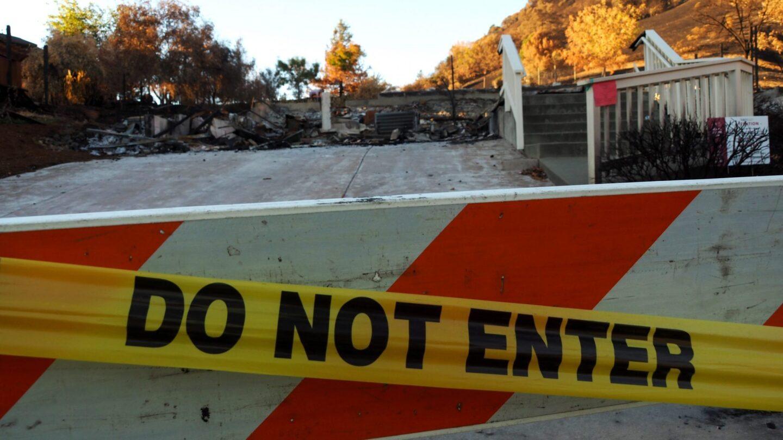 Una de las 1,555 estructuras que el incendio Glass Fire dejó en su camino de destrucción. | Marco Torrez, CalMatters