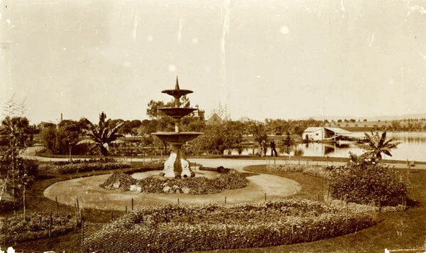 A three-tiered fountain near the lakeshore. Courtesy of the California Historical Society Collection, USC Libraries.