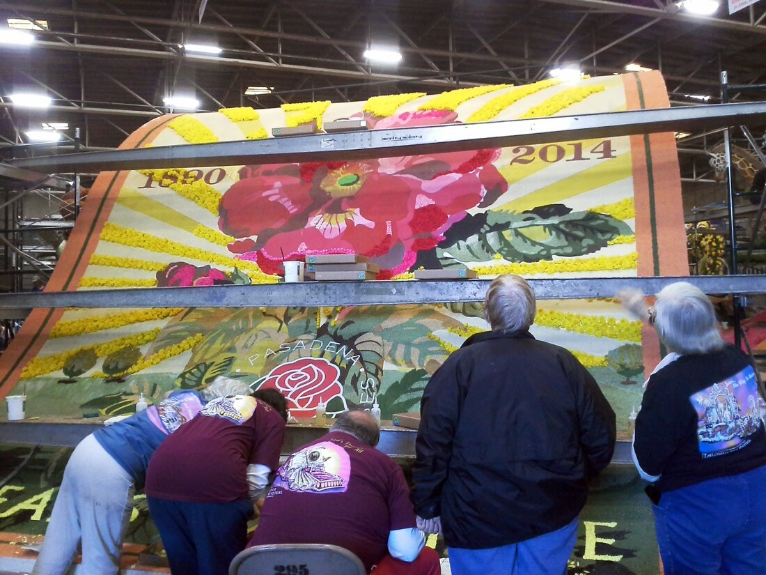 Build or decorate a Rose Parade float (1)