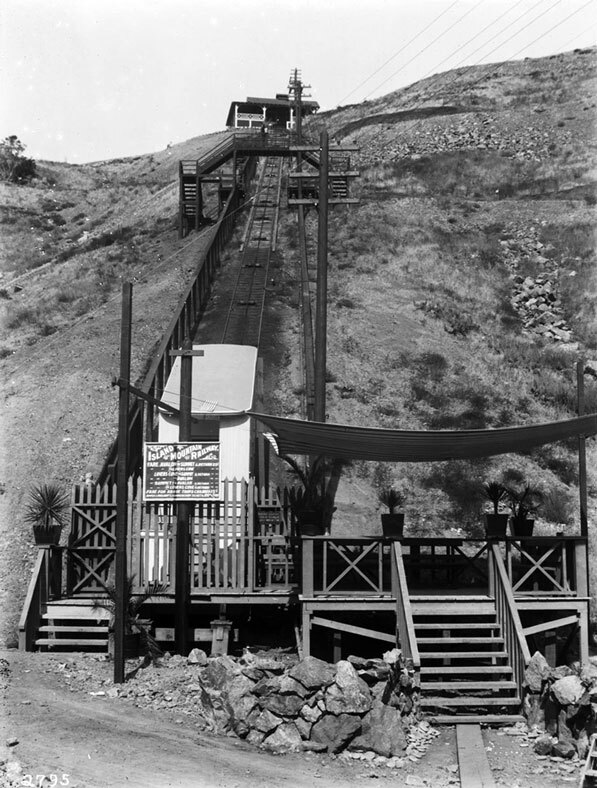 Catalina's incline railway in 1910. Courtesy of the Title Insurance and Trust / C.C. Pierce Photography Collection, USC Libraries.