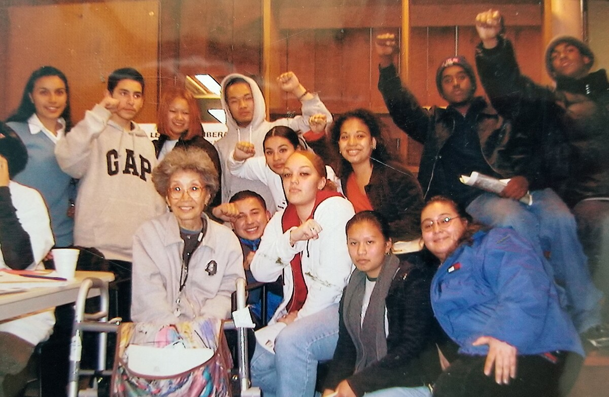Youth Together leaders from Skyline pictured with Yuri Kochiyama | Courtesy of Veronica Terriquez