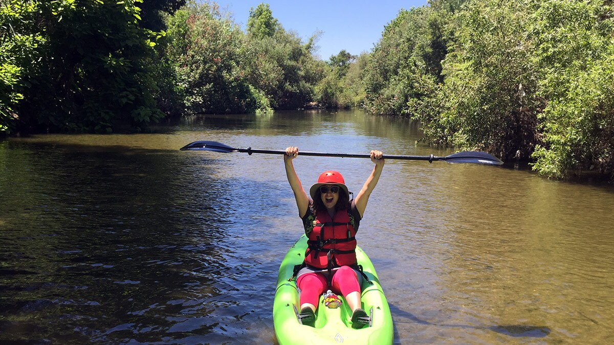 Lila Higgins kayaking the L.A. River in the Sepulveda Basin in July 2016 | Kat Superfisky