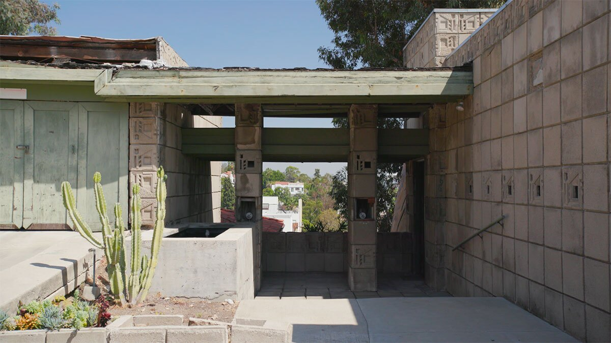 Freeman house still from Frank Lloyd Wright AB s9