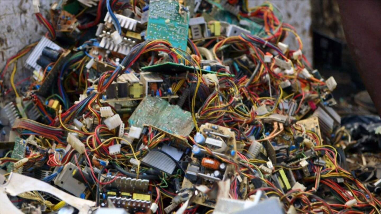 What in the World: Ghana - Digital Dumping