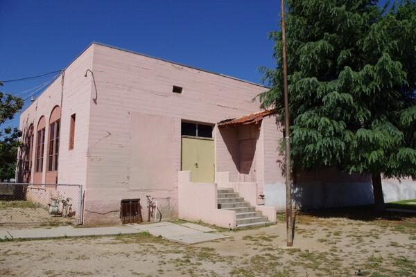 Photo study of former Casa Blanca elementary school 2000 I Photo: Ed Fuentes