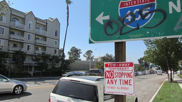 A tow-away sign on Sepulveda Blvd. in Sherman Oaks   Photo by Zach Behrens/KCET