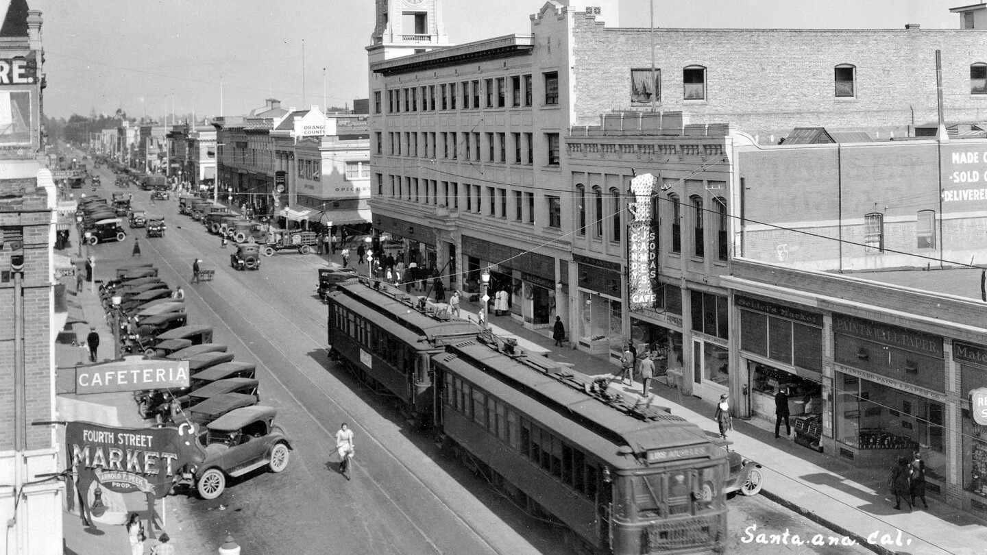 Top Image: W. Fourth St., Santa Ana, circa 1920 | Orange County Archives/Flickr/Creative Commons