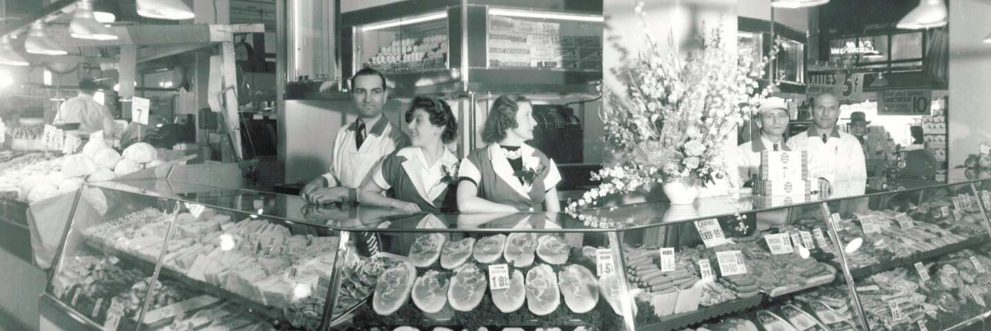 Tobin's at Grand Central Market c. 1941 | Courtesy of the Los Angeles Public Library Photo Collection