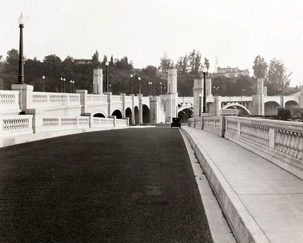 Circa 1930 view of the Glendale-Hyperion Bridge. Courtesy of the Los Angeles Examiner Collection, USC Libraries.