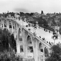 Early view of Pasadena's Colorado Street Bridge, which opened in 1913 across the Arroyo Seco. Courtesy of the Photo Collection, Los Angeles Public Library.