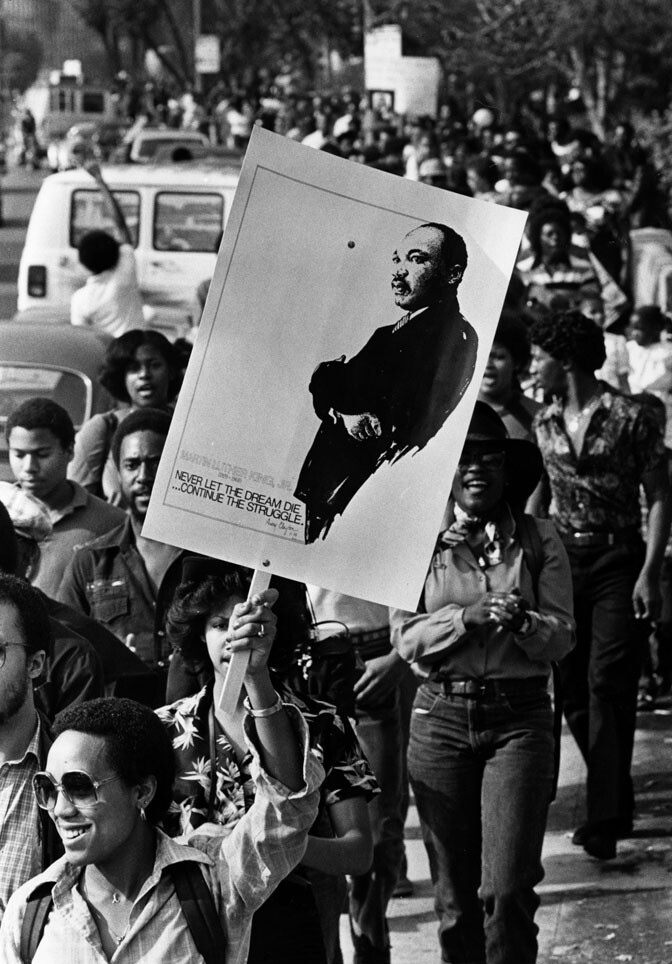 On January 16, 1981 thousands marched along Wilshire Boulevard in memory of Dr. Martin Luther King Jr. The four-mile march started at MacArthur Park and ended at City Hall.