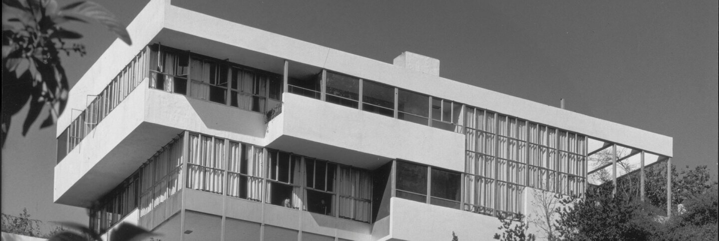"""The Lovell """"Health House,"""" designed by Richard Neutra is featured in """"Sun Seekers: The Cure of California."""" 