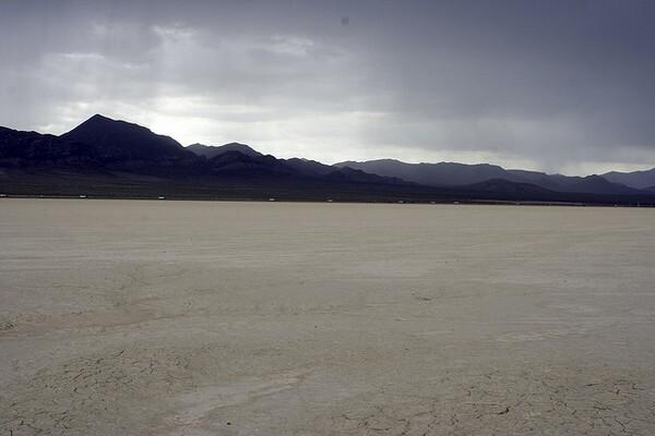 roach-dry-lake-3-19-14-thumb-600x400-70704