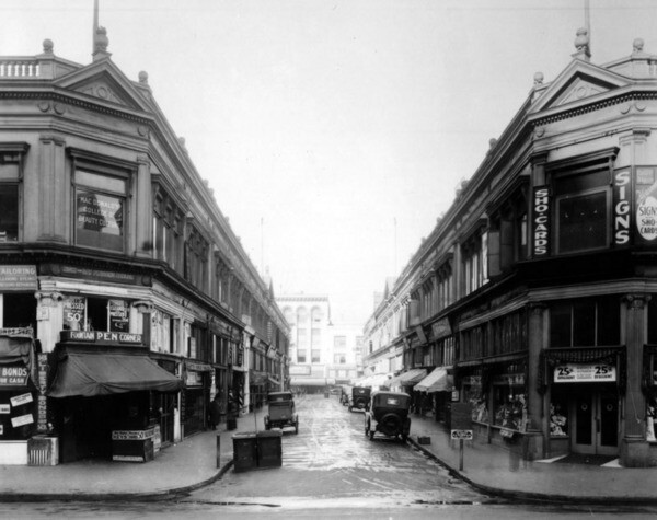 A private, open-air shopping street, Mercantile Place stretched 325 feet between Spring and Broadway in downtown Los Angeles. Courtesy of the Photo Collection - Los Angeles Public Library.