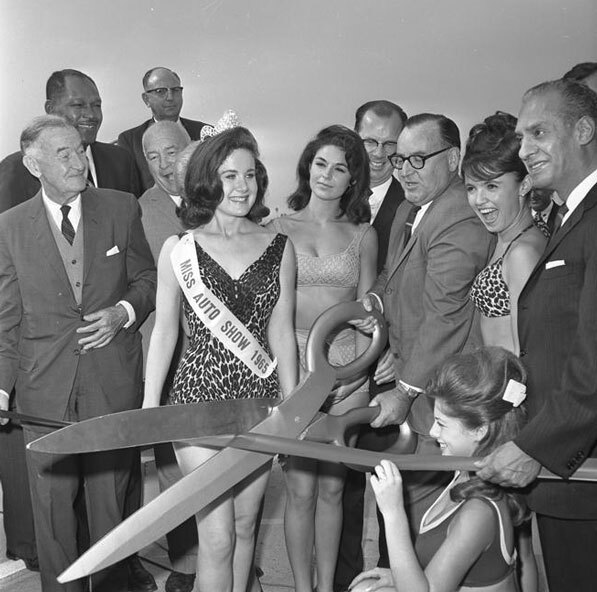 Miss Auto Show 1965 helps Governor Edmund G. 'Pat' Brown open a segment of the Santa Monica Freeway on October 23, 1964. Courtesy of the Los Angeles Times Photographic Archive. Department of Special Collections, Charles E. Young Research Library, UCLA.