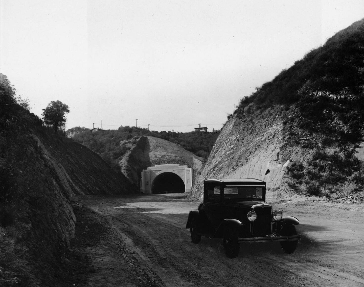 The Sepulveda Tunnel in 1930, when Sepulveda Boulevard was still an unpaved road.