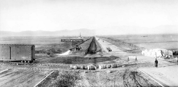 A 1911 view of the present-day Orange Line right-of-way where it crosses Van Nuys Boulevard. Courtesy of the USC Libraries - California Historical Society Collection.