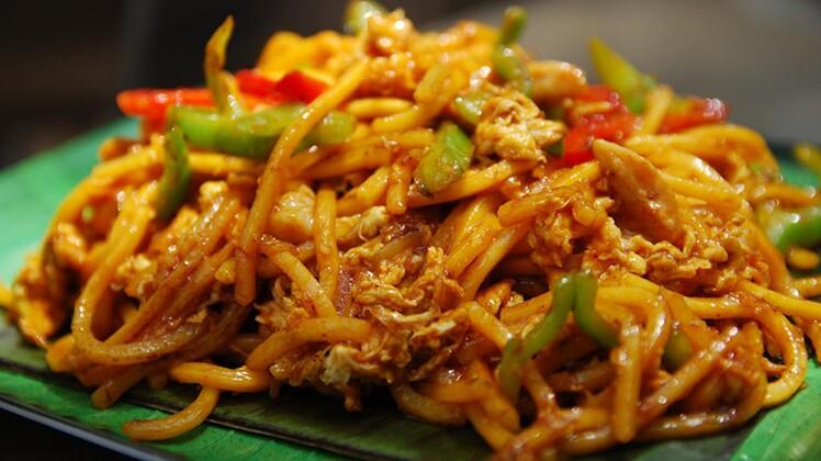 Mee Goreng (Malaysian Stir-Fried Noodles)