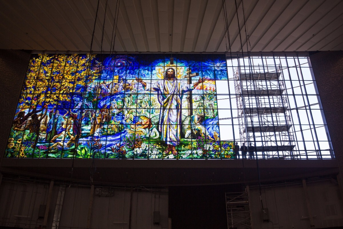 Judson Studios at the installation of the world's largest stained glass window | Courtesy of Judson Studios
