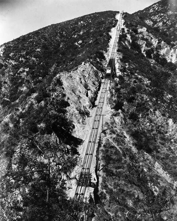 An aerial view of the Cable Incline rail tracks. | Courtesy of the Los Angeles Public Library