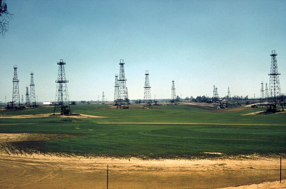 Oil derricks made for unusual hazards at the Alta Vista Golf Course in Placentia in 1961. Courtesy of the Orange County Archives