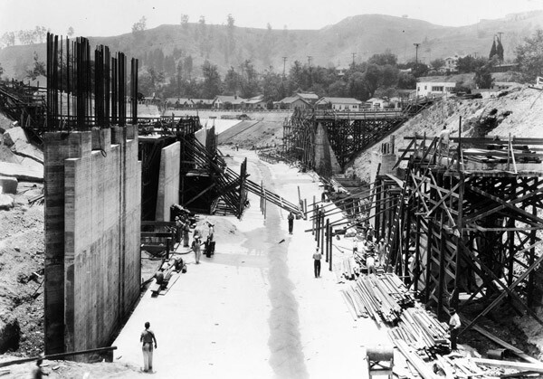 Construction of a bridge across the Arroyo Seco at Avenue 43, 1938. Courtesy of the USC Digital Library.