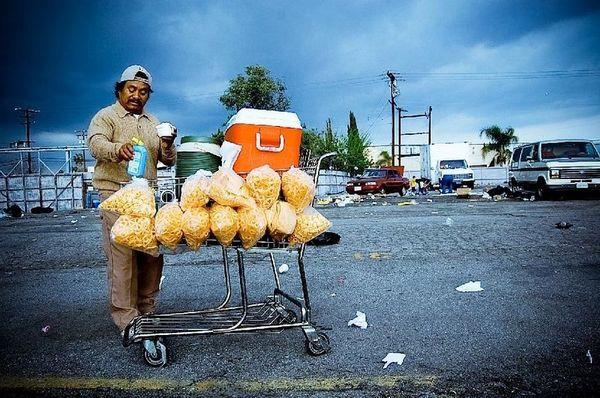 Vendor at the Starlite | Photo by Jennifer Renteria/SEMAP
