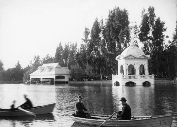 Boating was a popular activity among parkgoers. Courtesy of the Photo Collection, Los Angeles Public Library.