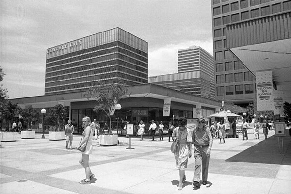 The Century City shopping mall decorated for the 1984 Olympics. Courtesy of the Los Angeles Times Photographic Archive, Young Research Library, UCLA.