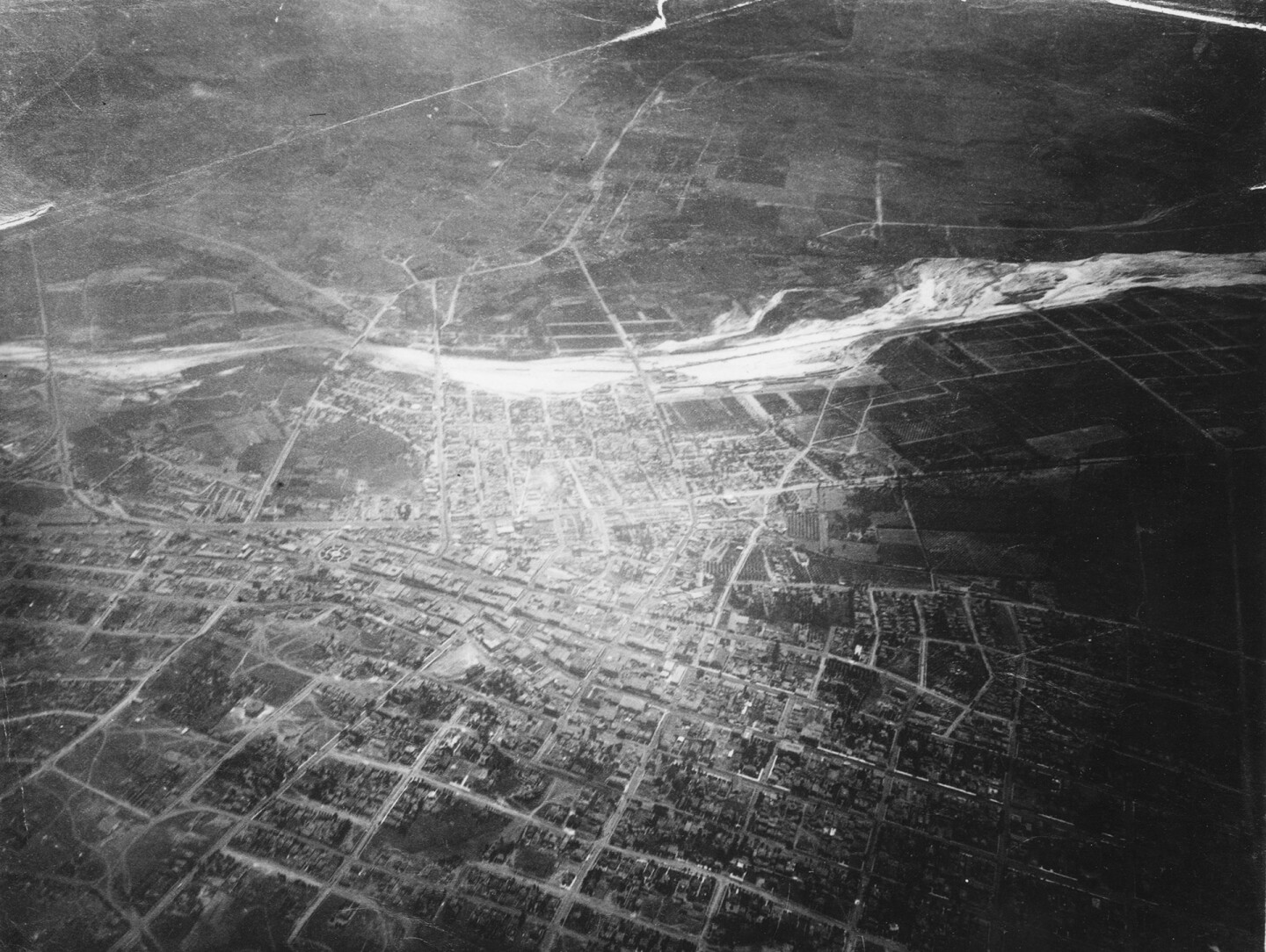 The first aerial photograph of Los Angeles (1887)