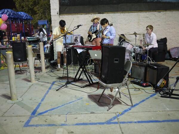 Bitter Party: Wendy Hsu (voice, keyboard, guitar, electronics), Carey Sargent (drums, guitar), Linda Wei (bass), Lam Nathan Vuong (viola, voice) | Photo: George Villanueva
