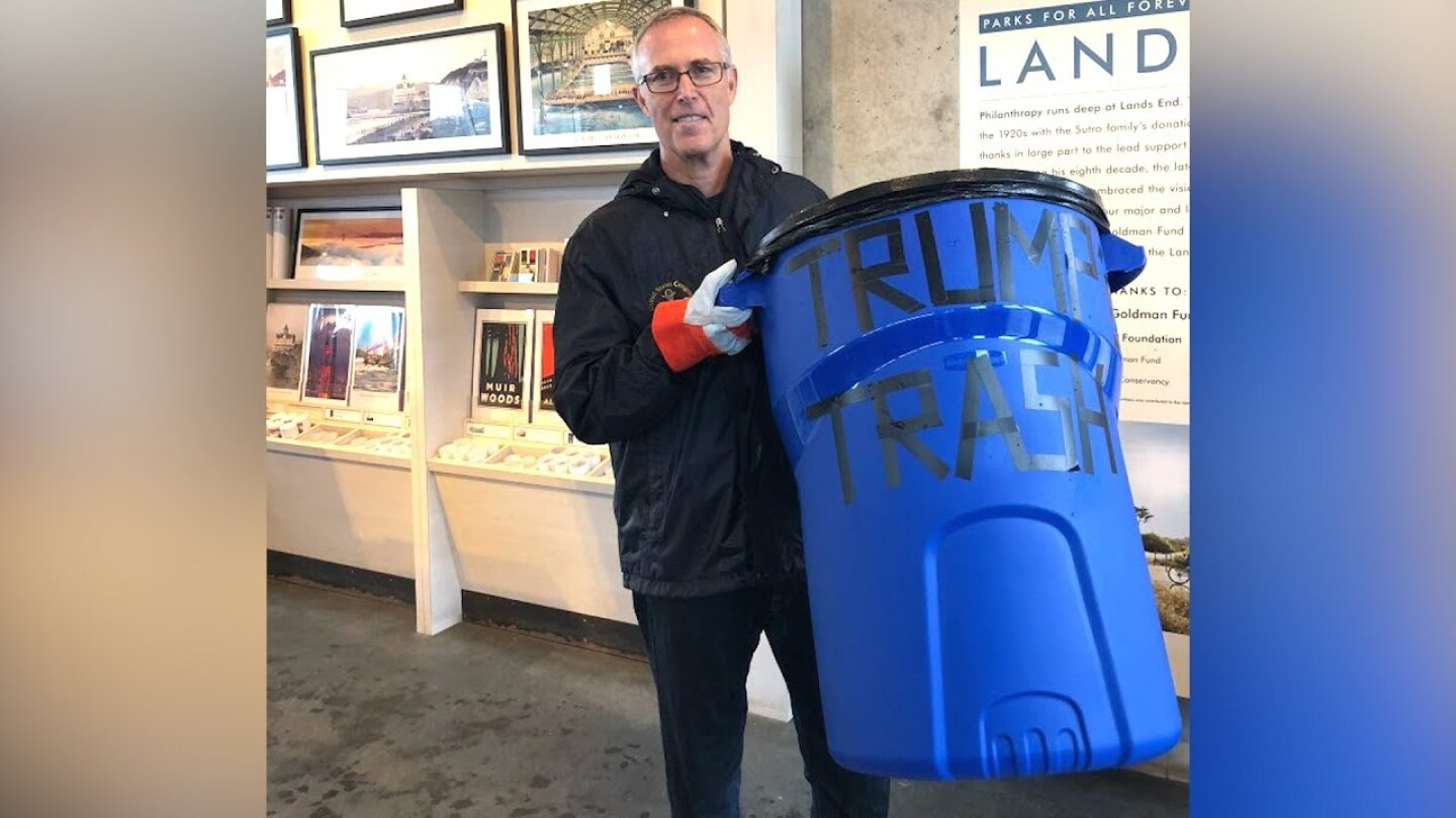 Congressman Jared Huffman (D-San Rafael) delivering trash to represent consequences of government shutdown. | Democracy Now