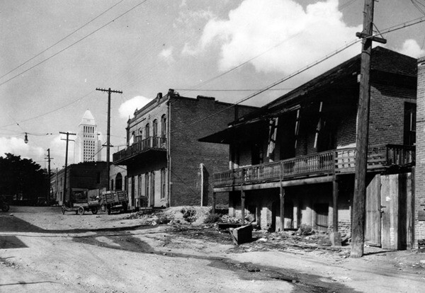Olvera Street before restoration | Security Pacific National Bank Collection, Los Angeles Public Library