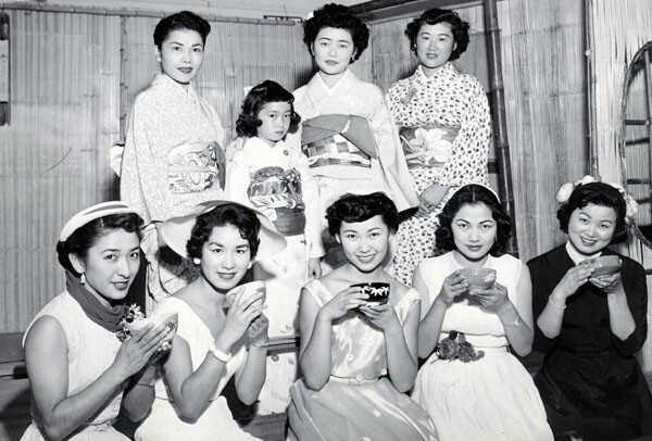Judy Sugita and other Nisei Week Queen candidates at a campaign event in 1953 | Photo courtesy of Judy Sugita