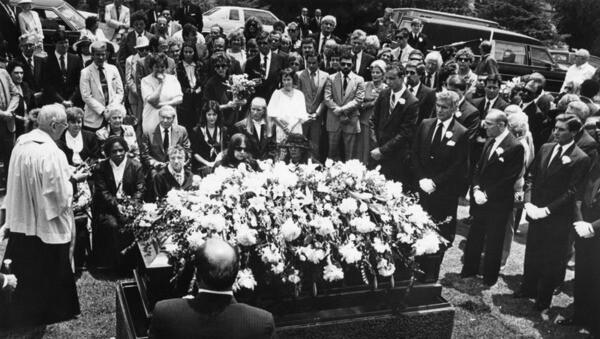 Memorial service for Rita Hayworth, 1987 | Herald-Examiner Collection, Los Angeles Public Library