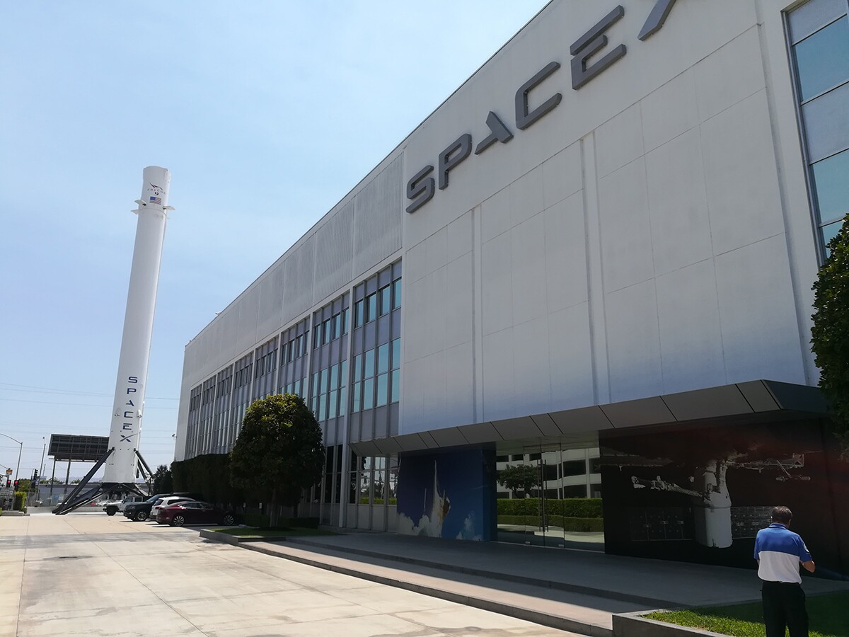 Falcon 9 booster B1019 at SpaceX headquarters in Hawthorne | Flickr/Juan Kulichevsky/Creative Commons (CC BY-SA 2.0)