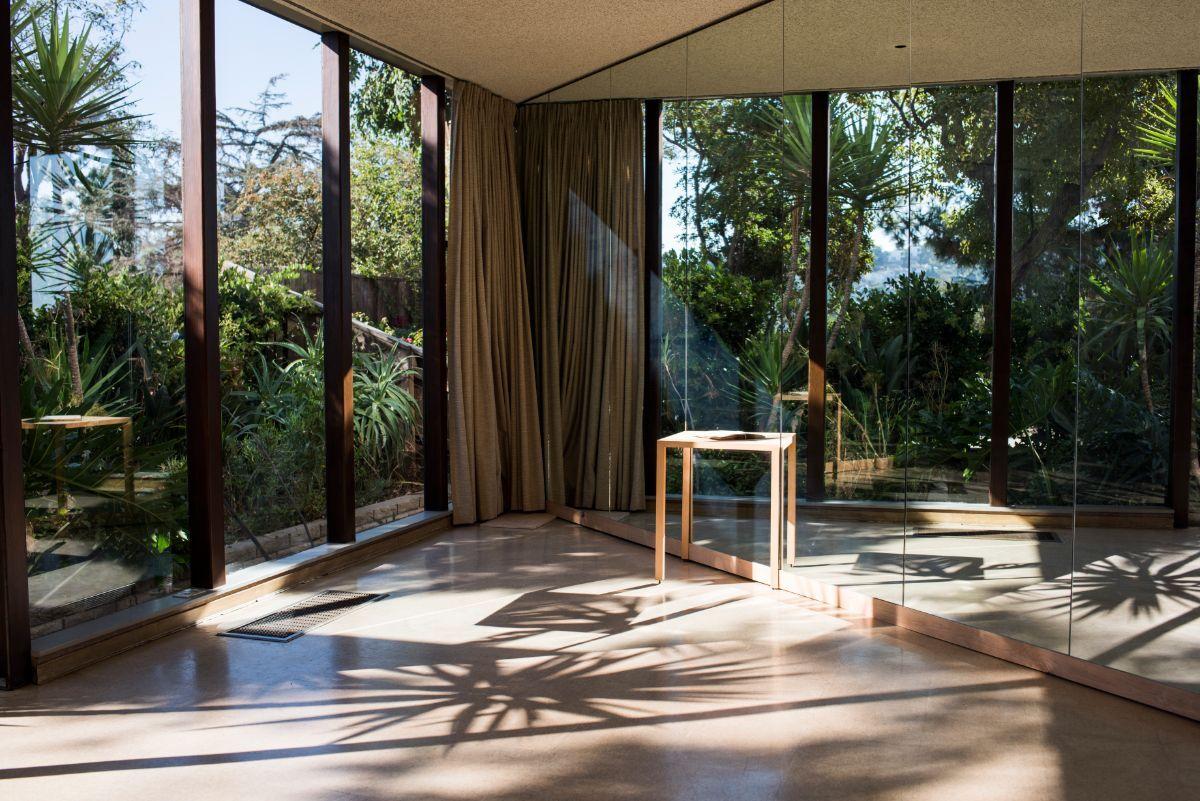 "Frida Escobedo with writer David Ulin's installation for ""Tu casa es mi casa"" | Adam Wiseman PST LALA Tu casa"