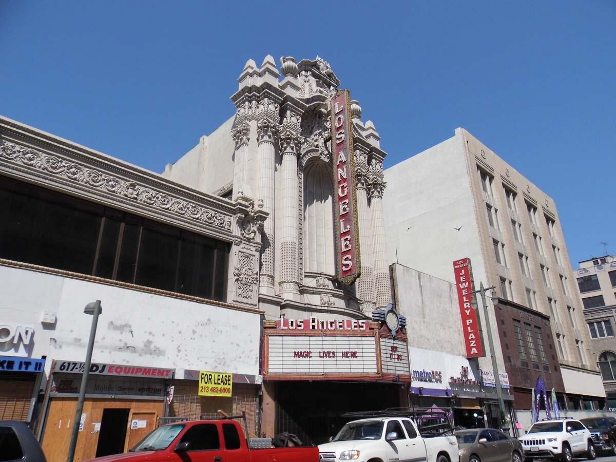 Los Angeles Theatre exterior. | Sandi Hemmerlein