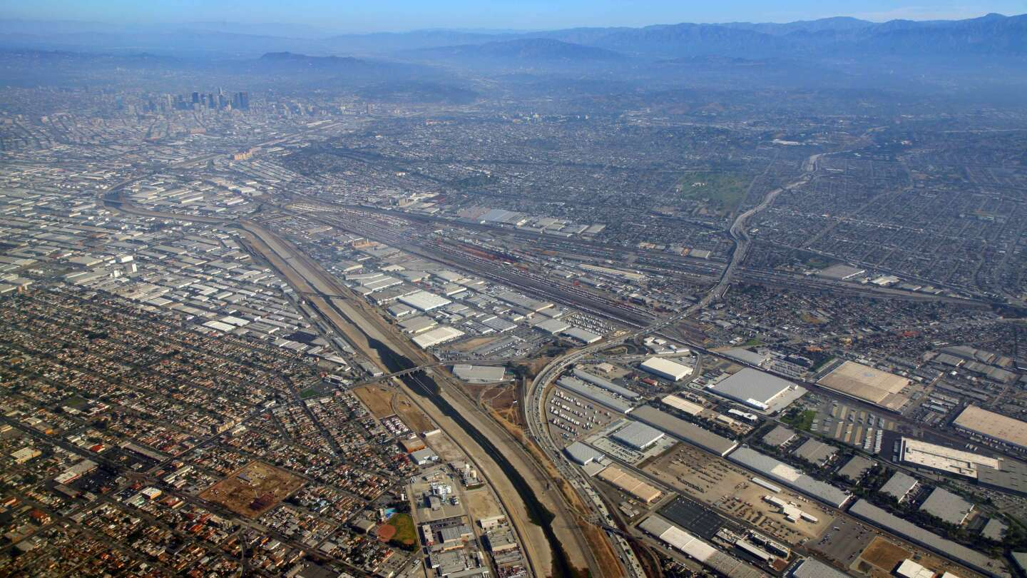 The Burlington Northern Hobart Yard — the largest intermodal freight yard in the U.S., located in City of Commerce, on the East side of Los Angeles.| Photo by Doc Searls via Flickr