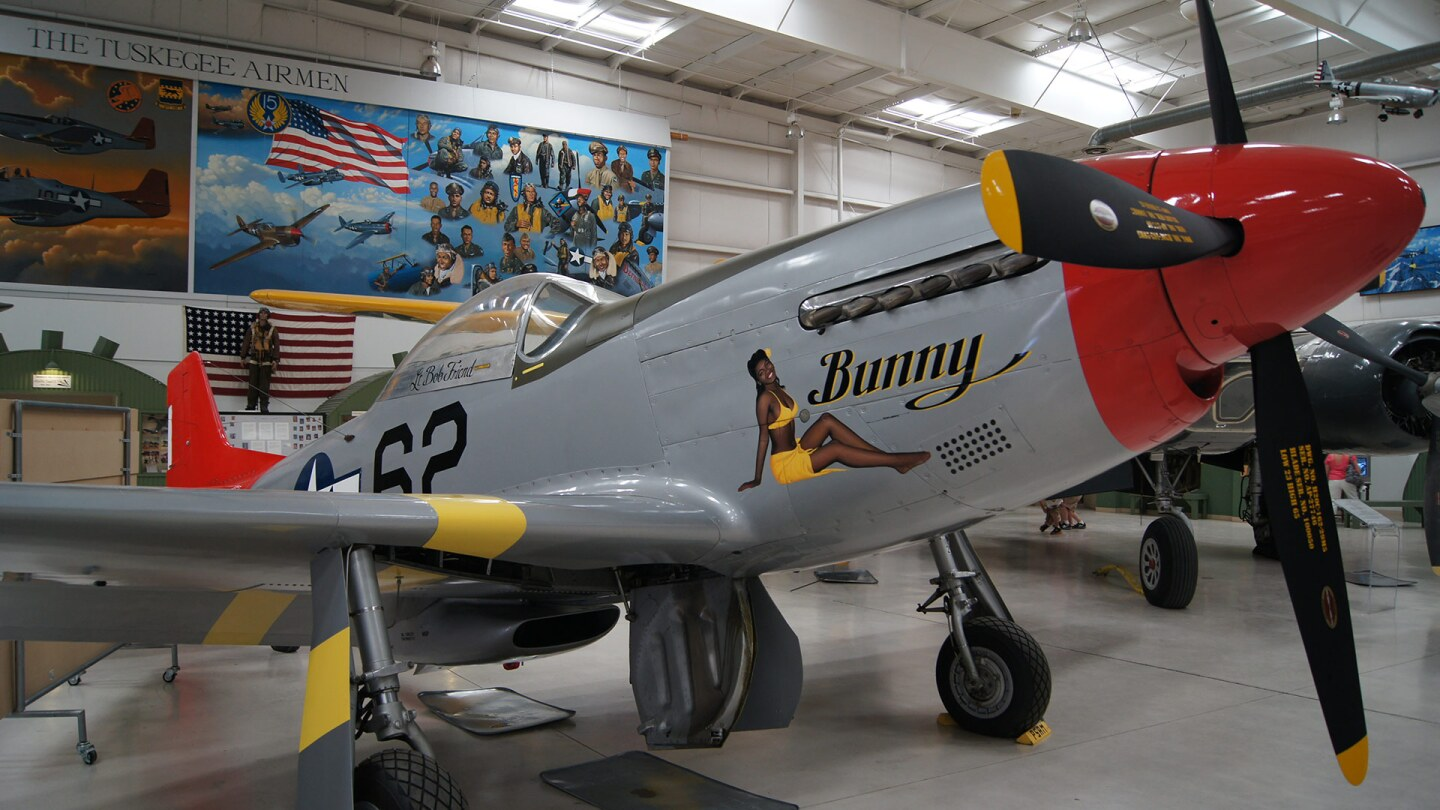 Tuskegee P-51 Mustang at the Palm Springs Air Museum | Wikimedia Commons/Jwissick
