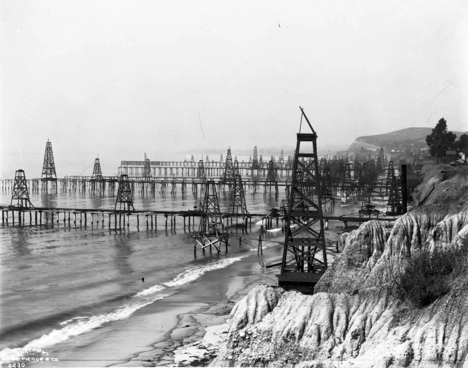 Oil wells on the beach in Summerland, just east of Santa Barbara, circa 1901-03. Courtesy of the USC Libraries - California Historical Society Collection.