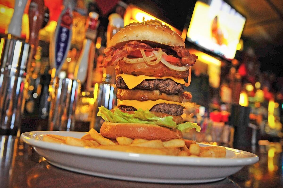 7 Mile House's Cow Palace Burger | Toni Zernick