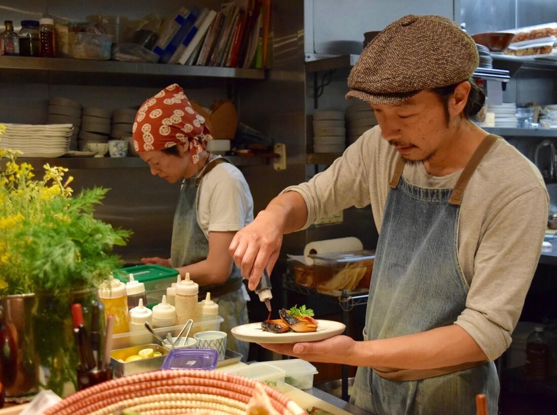 Chef Koyama preparing a dish at Necco