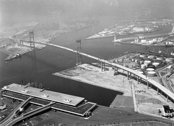 Aerial view of San Pedro's Vincent Thomas Bridge shortly after its opening in 1963. Courtesy of the Los Angeles Times Photographic Archive, Special Collections, Young Research Library, UCLA. Used under a Creative Commons license.