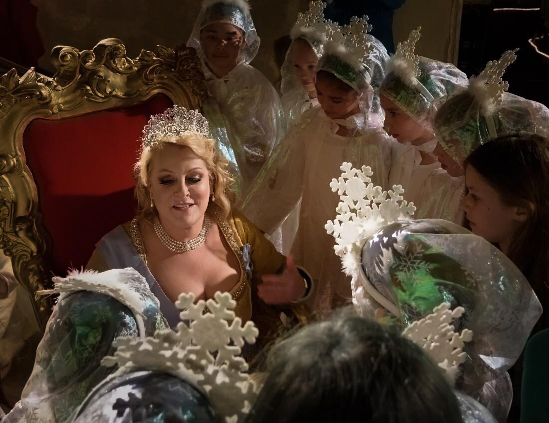 """Deborah Voight is the Queen of Sweden in """"Vireo""""   David Soderlund"""