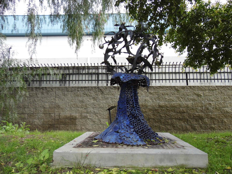 A sculpture at Radford Art Walk, Studio City   Sandi Hemmerlein