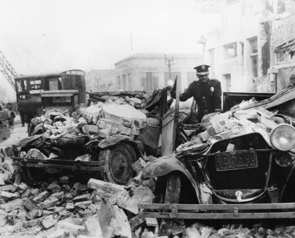 Rubble littered the streets of Compton after the 1933 Long Beach earthquake. Courtesy of the Photo Collection - Los Angeles Public Library.