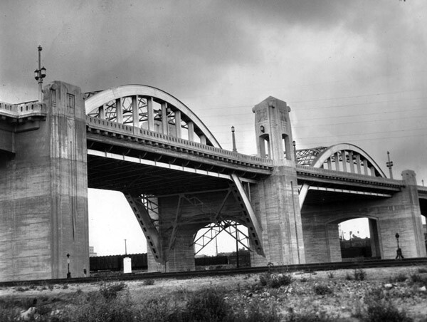1933 view of the Sixth Street Viaduct. Courtesy of the Los Angeles Examiner Collection, USC Libraries.