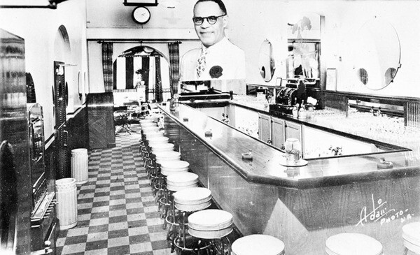Dunbar Cocktail Lounge and Grill | Photo: Shades of L.A. Collection, Los Angeles Public Library