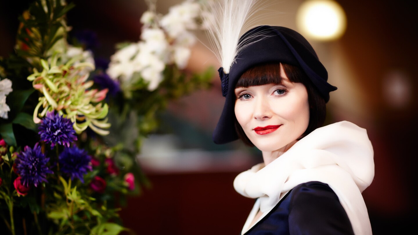 miss fisher fasion